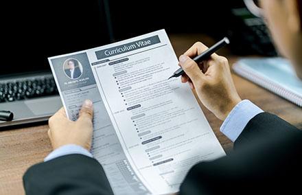 Envoi de votre CV : pensez au recruteur !